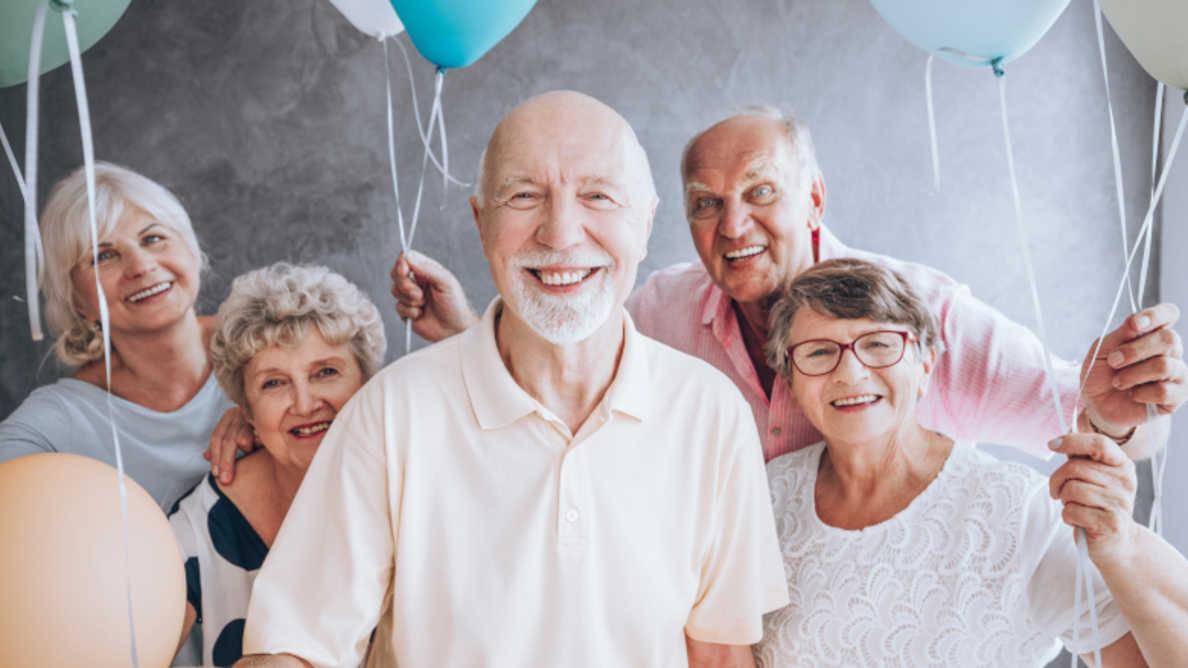 Enostavna vadba za izboljšanje oralne funkcije pri starejših